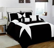 Black And White Modern Bedrooms Magnificent Black And White Bedding Bedroom Combination