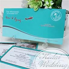 undangan model tiket pesawat boarding pass