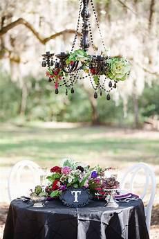 Wedding On A Budget Dramatic Dark Amp Romantic Wedding Ideas Every Last Detail