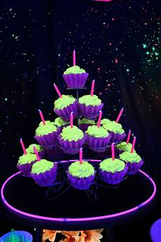 Edible Black Light Frosting 85 Best Sweet Sixteen Cakes Images On Pinterest