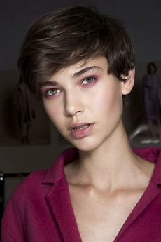 hair short tricks to maintaining your hair cut at home
