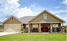 3 bedrooms and porches front and back 11782hz