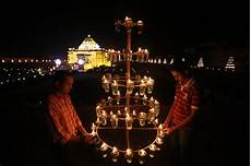 Light In India Patchwork Of Traditions In New Year Celebrations In India