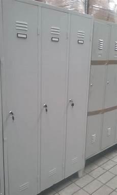 armadietti spogliatoio usati armadietti spogliatoio 3 ante scaffali usati bologna
