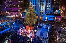 Rockefeller Tree Lighting Date 2015 Charitybuzz 4 Vip Tickets To The 2016 Rockefeller Center