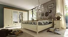 schlafzimmer landhaus schlafzimmer landhausstil blau haus ideen