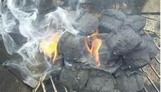 Light Coals Without Lighter Fluid How To Light Charcoal Without Lighter Fluid Or Chimney