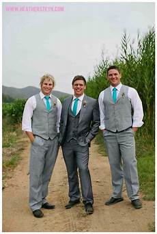 i like the distinction between the groom and groomsmen and