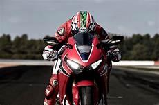 Honda V4 Superbike 2020 by 2019 Honda Cbr1000rr Will Run A V4 Engine Bikesrepublic