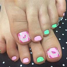 Cute Beach Toenail Designs 25 Toe Nail Designs That Scream Summer Page 2 Of 2