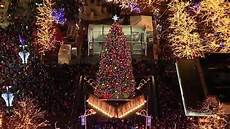 Galleria Tree Lighting 2018 Watch Light Up The Season At The 2018 Detroit Tree