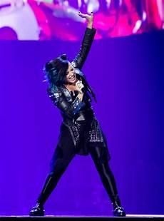 Demi Neon Light Demi Lovato Neon Lights World Tour In Newark 35 Gotceleb