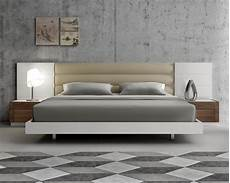Modern Headboard Lacquered Extravagant Leather Modern Platform Bed With