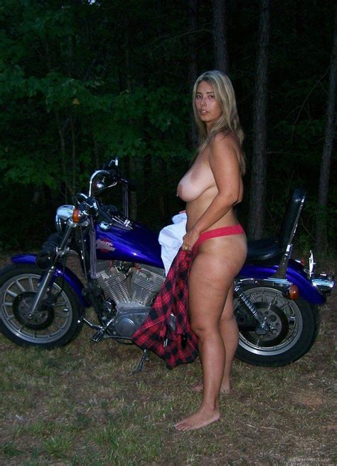 Suzann Fields Nude Pictures