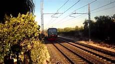 fresco pomeriggio estivo con i treni