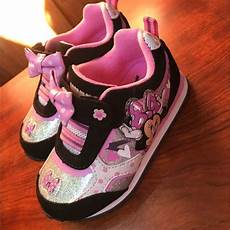 Minnie Mouse Shoes With Lights 62 Off Disney Other Disney Minnie Mouse Light Up