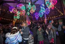 La Zoo Lights Family Celebration Family Friendly New Year S Celebration At The L A Zoo