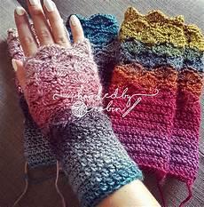 fantail shell stitch fingerless gloves free crochet