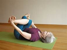 joga hip rest your cow to ease tight hips five minute