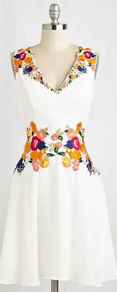 embroidery clothes inspiration floral embroidered dress fashion