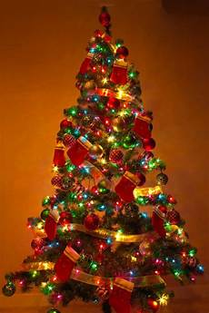 Christmas Tree Decorating Ideas With Multicolor Lights Top 10 Christmas Decoration Ideas Amp Trends 2019 Pouted