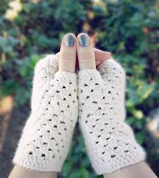 15 easy crochet mitten patterns even beginners can make