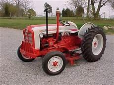 Antique Tractors 1960 Ford 861 D Picture