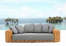 arredo esterno rattan divano salotto rattan grigio cuscini arredo giardino