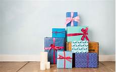 can you bring wrapped gifts through security travel