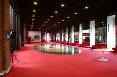 foyer teatro se un pomeriggio di primavera un viaggiatore visita