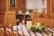 Sorat Hotel Regensburg Candle Light Dinner Verliebt Im The Monarch Hotel Feierliche Men 252 S Und