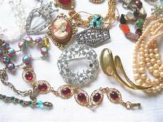 clothes jewelry calaveras coin pawn gold silver buyers calaveras