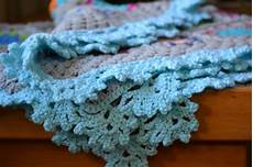 pretty lacy crochet edging the green dragonfly