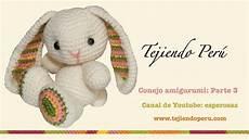 conejo amigurumi parte 3 tejiendo las patitas