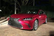 Lexus 2019 Models by 2019 Lexus Es Adds F Sport Model And Apple Carplay Tech
