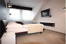schlafzimmer ideen mit ankleide schlafzimmereinrichtung mit begehbarer ankleide raumax