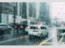 BMKG: Hujan Lebat Guyur Jabodetabek, Laut Pasang Ancam