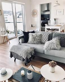 Schlafzimmer Ella by Die Lammfell Kissenh 252 Lle Ella Ist Das Kuscheliges
