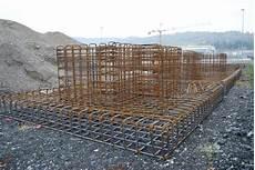 tralicci in ferro centro di trasformazione sagomatura tondo per cemento