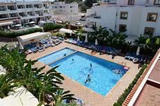 ibiza appartamenti vacanze vacanza a ibiza con i bimbi il resort le spiagge e le