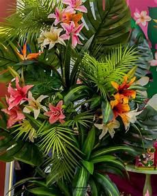 plantas penduradas ao ar livre a imagem pode conter planta flor atividades ao ar livre