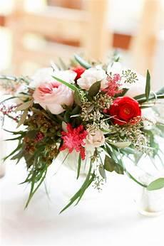 Wedding On A Budget 23 Ways To Arrange Red Wedding Centerpieces Martha