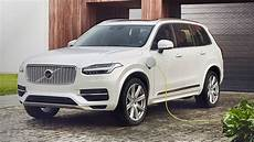 Volvo Electric Vehicles 2019 by Volvo S Tesla Killer To Arrive In 2019 With A 250 Mile Range