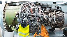 Airplane Mechanic Aviation Mechanic Shortage Means Well Paying Jobs Up For