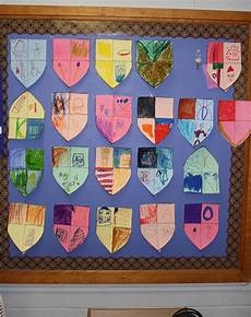 Design A Coat Of Arms Ks2 Decorate Your Own Coat Of Arms August Themes First Day