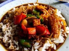asiatische rezept asiatische wok pfanne mit h 228 hnchen und gem 252 se rezept