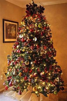 Christmas Tree Decorating Ideas With Multicolor Lights 70 Beautiful Christmas Tree Decoration Ideas The Wow Style