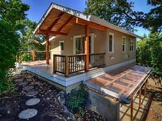 cottage style house plan 2 beds 1 baths 1000 sq ft plan