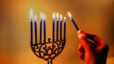 How To Light The Menorah And Hanukkah How Do You Light The Menorah Popsugar Family