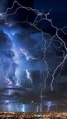 blue thunder wallpaper iphone 6 great thunderstorm in city iphone 6 6 plus and iphone 5